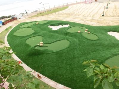 美式迷你高尔夫球场