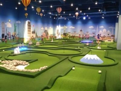 室内18洞迷你高尔夫球场